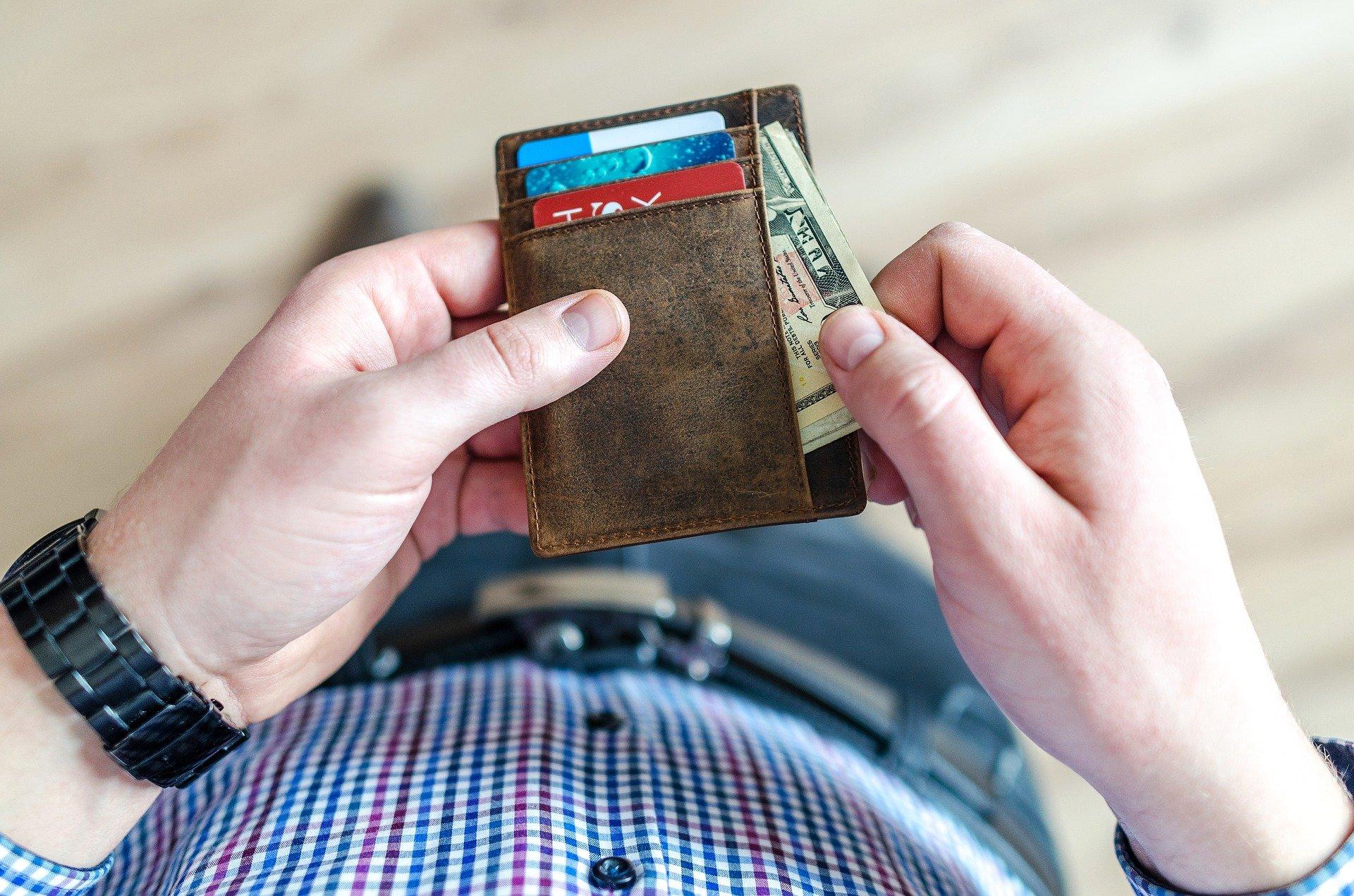Découverte de la carte prépayée Hello Bank