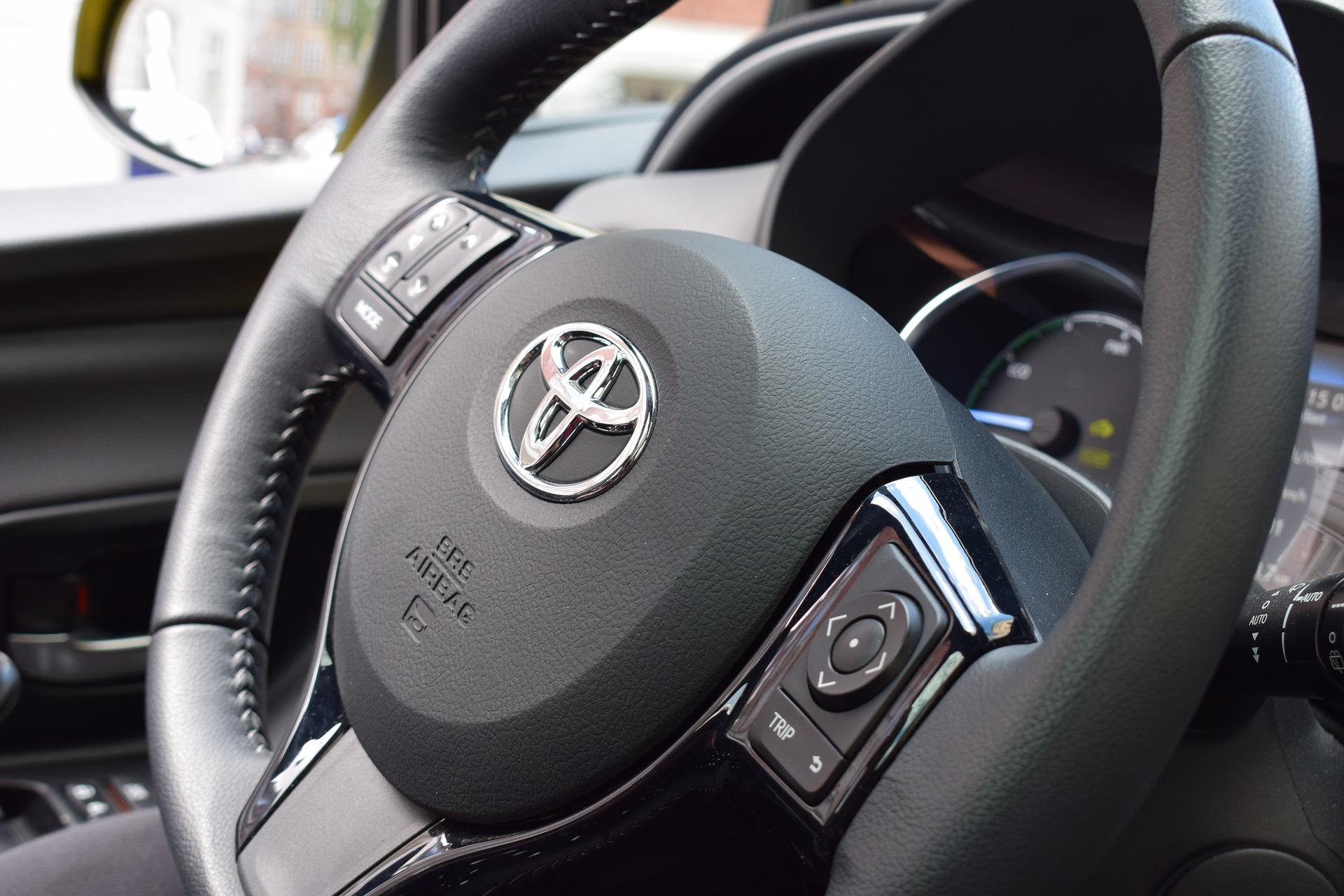 L'hybride Toyota Yaris - Apprenez les Spécificités et Son Prix