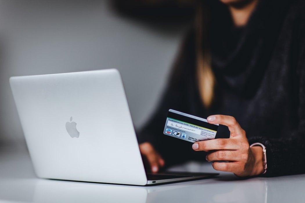 Découvrez Comment Souscrire à la Carte de Crédit de BCJ
